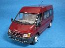 /ミニチャンプス フォード・トランジット 2000 BASE BUS/VAN レッド