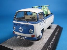 プレミアムクラシックス VW T2a トラック Zundapp Bellaバイク2台積載